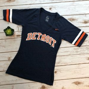 Detroit Tigers MLB Nike V-Neck Tee shirt Size XS